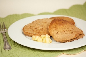 Vegan Apple Spice Pancakes