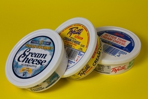 Vegan cream cheese taste test - Which one smothered the competition?